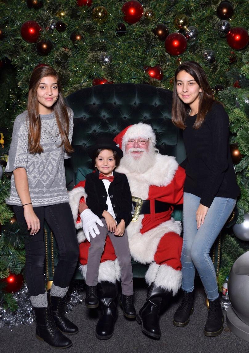 Julieta (13), Antonio (4), Victoria (17)